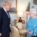 A rainha Elizabeth II com Boris Johnson