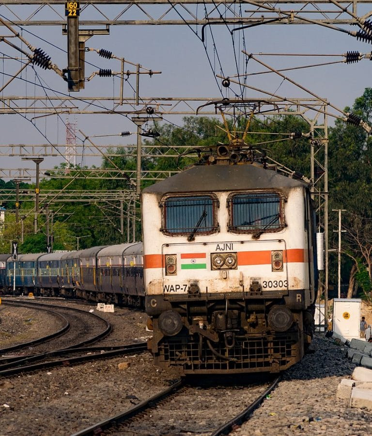 Um trem da Indian Railways Foto: Nikhil B/Wikimedia