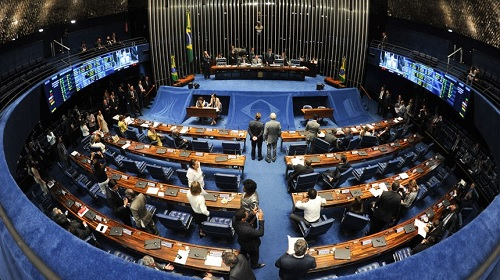 AO VIVO: PL das 'fake news' está na pauta do Senado